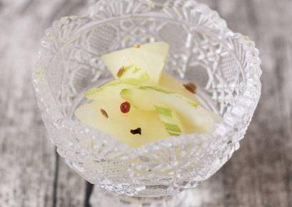 梨とセロリのピクルス
